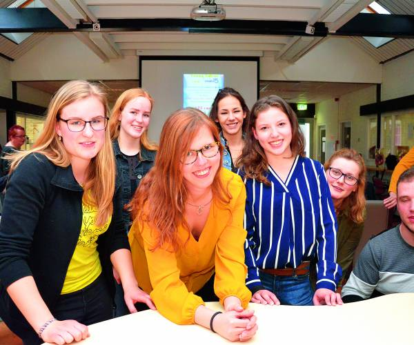 Feestelijke aftrap Young Volunteers met eerste aanmeldingen tieners voor vrijwilligerswerk