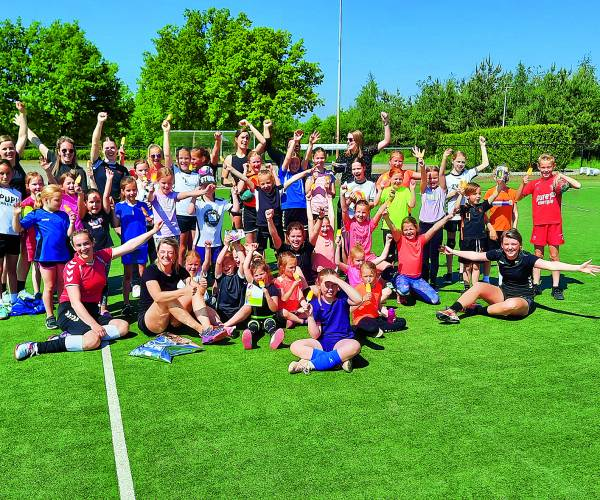 Succesvolle Handbalclinic op Sportpark 't Brook