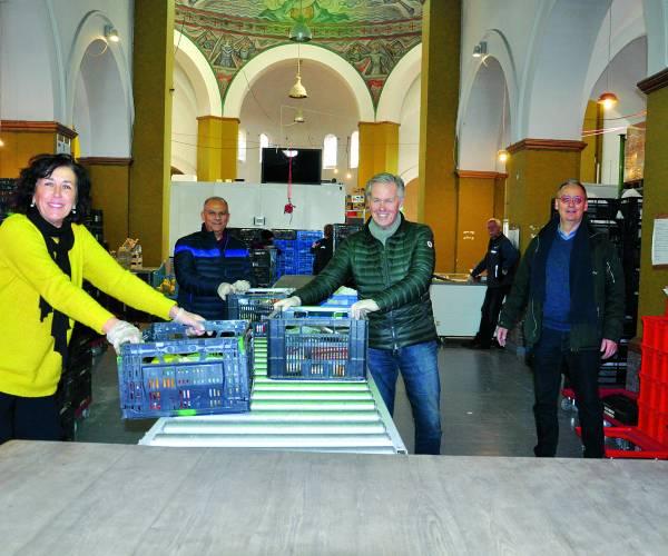 Extra helpende handen voor vrijwilligers van de Voedselbank Almelo