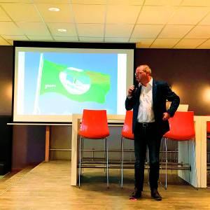 Zone.college Almelo behaalt internationaal keurmerk voor duurzame scholen<br />Eco-team hijst de groene vlag
