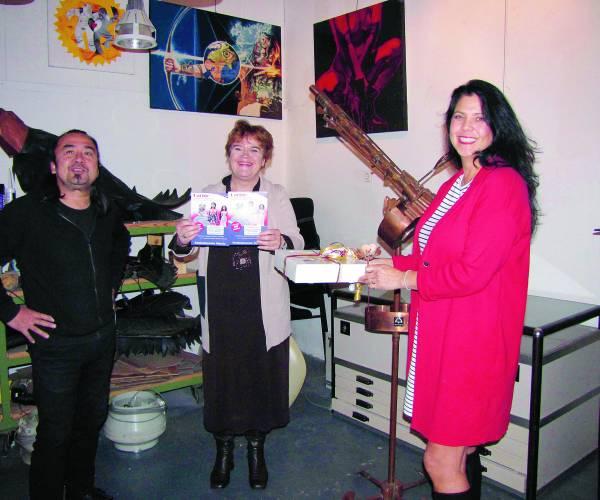 Winnaar hartjeswedstrijd van Stadsmuseum Almelo krijgt hart van marsepein