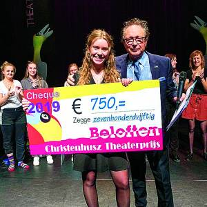 Anika van Driel wint Christenhusz Theaterprijs in de categorie beloften