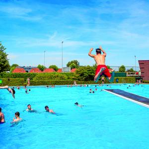 Beleef deze zomerse dagen bij Zwembad Het Sportpark!