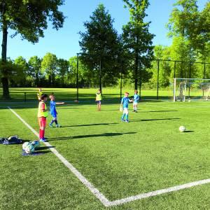 Almelose jeugd mag eindelijk weer de sportvelden op