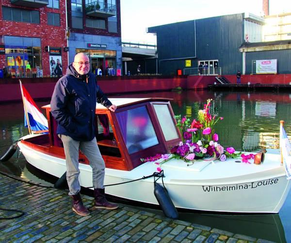 Huwelijksbootje kan eindelijk door Almelose wateren varen