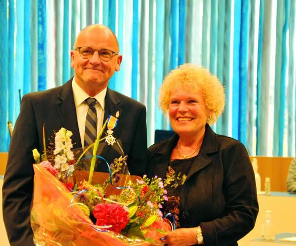 Remy Denker ontvangt ridderorde voor het zetten van Morse op cultureel erfgoedlijst